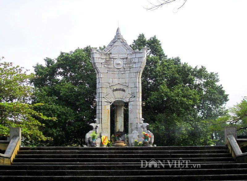 """Cận cảnh cây bồ đề """"linh thiêng"""" ở Nghĩa trang Trường Sơn"""