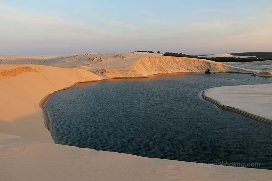 động cát trắng ở Vĩnh Tú